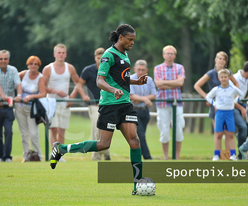 Cercle Brugge - KSV Roeselare : Michael Uchebo<br /> foto VDB / Bart Vandenbroucke