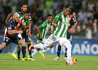 MEDELLIN- COLOMBIA - 17-08-2016: Orlando Berrio, jugador de Atletico Nacional de Colombia, en accion durante partido de vuelta de la primera fase por la Copa Suramericana entre Atletico Nacional de Colombia y Deportivo Municipal de Peru, en el estadio Atanasio Girardot de la ciudad de Medellin.  / Orlando Berrio, player of Atletico Nacional of Colombia  in action of Deportivo Municipal of Peru, during a match for the second leg of the first phase between Atletico Nacional of Colombia and Deportivo Municipal of Peru, for the Copa Suramericana in the Atanasio Girardot stadium, in Medellin city. Photo: VizzorImage / Leon Monsalve / Cont.