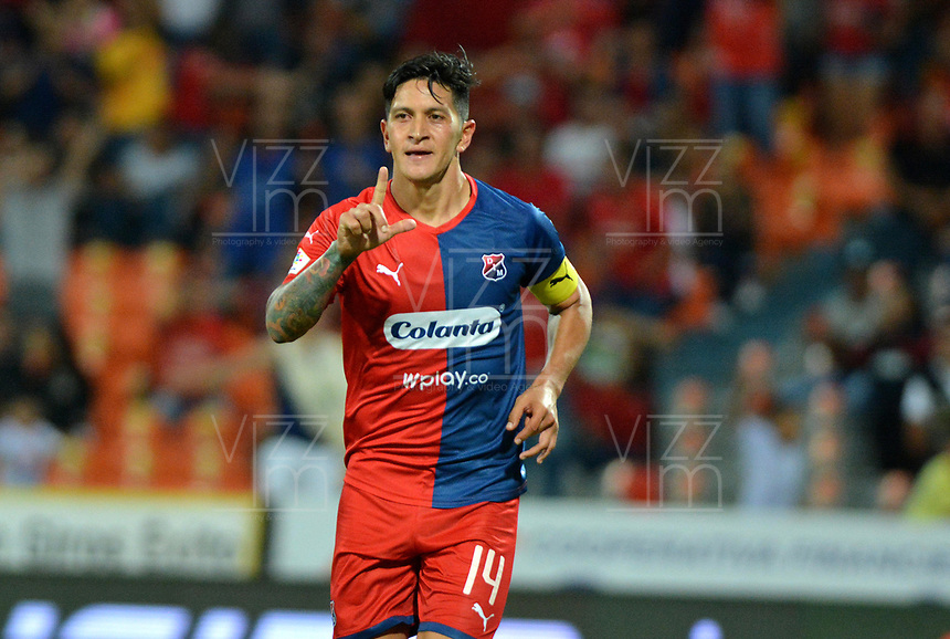 MEDELLÍN-COLOMBIA, 10-08-2019: Germán Ezequiel Cano de Deportivo Independiente Medellín celebra el gol que anotó a América de Cali, durante partido de la fecha 5 entre Deportivo Independiente Medellín y América de Cali, por la Liga Águila II 2019, en el estadio Atanasio Girardot de la ciudad de Medellín. / German Ezequiel Cano of Deportivo Independiente Medellin celebrates el scored goal to América de Cali, during a match for the 5th date between Deportivo Independiente Medellin and America de Cali, for the Aguila Leguaje II 2019 at the Atanasio Girardot stadium in Medellin city. Photos: VizzorImage  / León Monsalve / Cont.