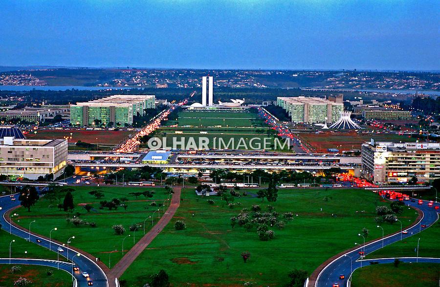 Esplanada dos Ministérios em Brasília. 2001. Foto de Juca Martins.