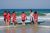 Europe/France/Aquitaine/40/Landes/ Capbreton: Stéphanie Barneix championne du monde de paddleboard donne des cours  de paddleboard et de sauvetage côtiert