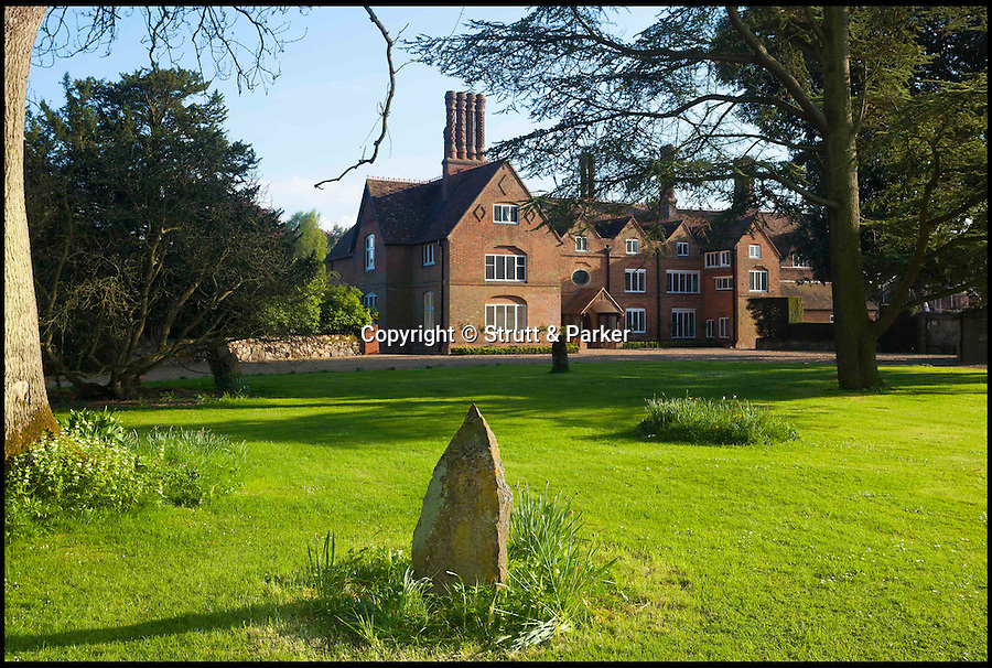 BNPS.co.uk (01202 558833)<br /> Pic: Strutt&Parker/BNPS<br /> <br /> Tudor Pile...<br /> <br /> An historic country mansion that bears the signature of Henry VIII's doomed second wife Anne Boleyn etched into a window pane has gone up for sale for £3.5 million.<br /> <br /> It is rumoured that during Henry's seven-year pursuit of Anne the pair danced together in the magnificent stone Great Hall at Yaldham Manor, near Sevenoaks in Kent.<br /> <br /> Anne's scratchy signature remains on the original diamond-shaped glass to this day, beneath the crests of the Peckham family.<br /> <br /> The manor, set in 30 acres, is now on sale with Strutt and Parker estate agents for £3.5 million.