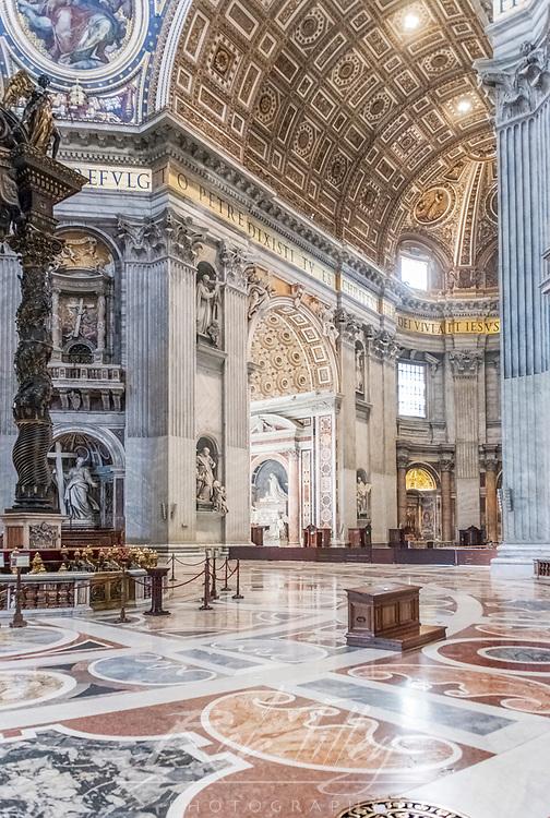 Europe, Italy, Rome, Vatican City, St. Peter's Basilica (Basilica di San Pietro)