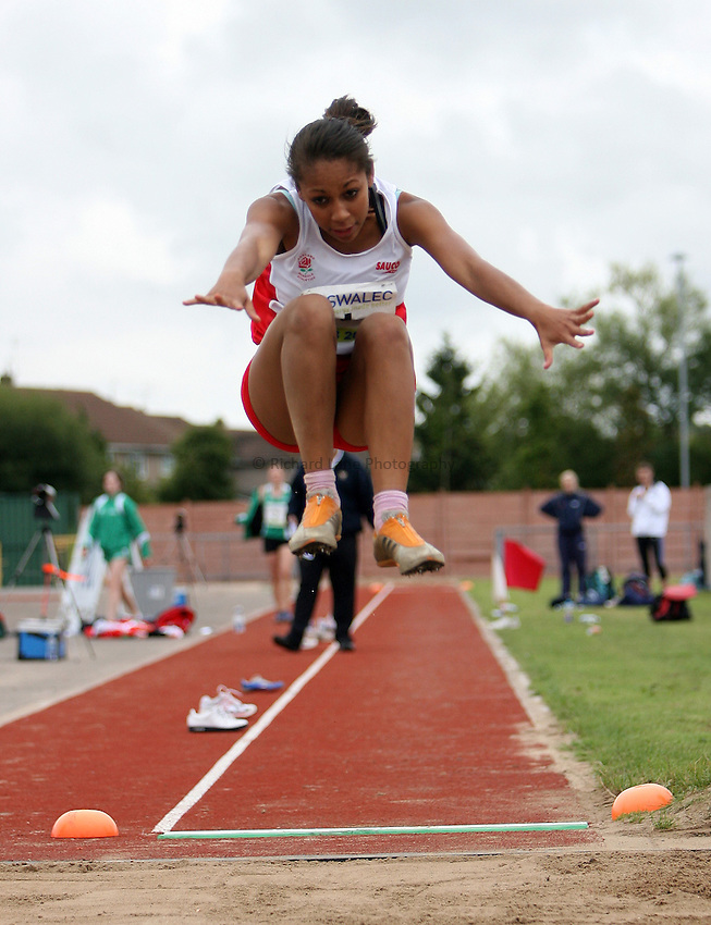 Photo: Rich Eaton...Schools International Athletic Board, Track & Field International Match, Newport. 21/07/2007. Laura Samuel of England competes in the girls long jump.