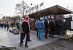 V&auml;llingby 2014-03-30 Fotboll Allsvenskan IF Brommapojkarna - Kalmar FF :  <br /> Publik k&ouml;ar utanf&ouml;r entr&eacute;n till Grimsta IP<br /> (Foto: Kenta J&ouml;nsson) Nyckelord:  BP Brommapojkarna Grimsta Kalmar KFF utomhus exteri&ouml;r exterior supporter fans publik supporters