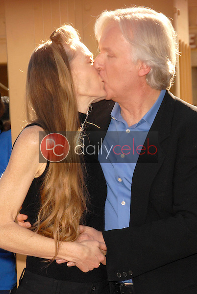 Suzy Amis and James Cameron<br /> at the induction ceremony for James Cameron into the Hollywood Walk of Fame, Hollywood Blvd, Hollywood, CA.  12-18-09<br /> David Edwards/Dailyceleb.com 818-249-4998