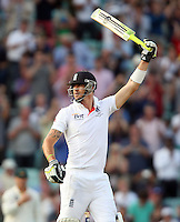 Kevin Pietersen of England acknowledges his half century - England vs Australia - 5th day of the 5th Investec Ashes Test match at The Kia Oval, London - 25/08/13 - MANDATORY CREDIT: Rob Newell/TGSPHOTO - Self billing applies where appropriate - 0845 094 6026 - contact@tgsphoto.co.uk - NO UNPAID USE
