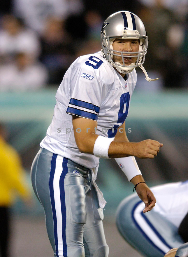 Tony Romo, of the Dallas Cowboys, in action during thier game against the Philadelphia Eagles  on November 14, 2005..Chris Bernacchi / SportPics..Cowboys  win 21-20