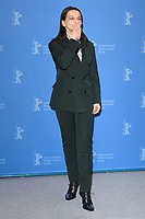 BERLIN, GERMANY - FEBRUARY 7: President of the International Jury Juliette Binoche attends the International Jury photocall during the 69th Berlinale International Film Festival Berlin at the Grand Hyatt Hotel on February 7, 2018 in Berlin, Germany.<br /> CAP/BEL<br /> &copy;BEL/Capital Pictures
