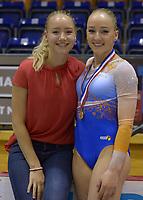 TURNEN: HEERENVEEN: 08-07-2018, IJsstadion Thialf, Dutch Gymnastics Thialf Summer Challenge, Lieke&Sanne Wevers, ©foto Martin de Jong