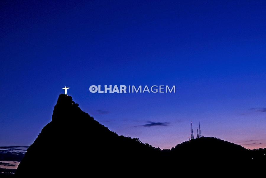 Morro do Corcovado e Cristo Redentor. Rio de Janeiro. 2001. Foto de Ricardo Azoury.