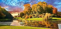 Autumn view of Fountains Abbey & Studley Royal water gardens, founded in 1132, is one of the largest and best preserved ruined Cistercian monasteries in England. The ruined monastery is a focal point of England's most important 18th century Water, the Studley Royal Water Garden which is a UNESCO World Heritage Site. Near Ripon, North Yorkshire, England