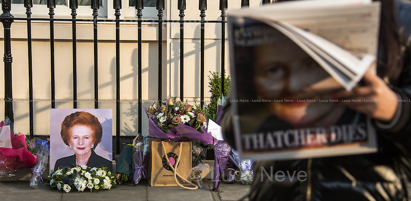 "London, 08/04/2013. Floral tribute outside the house of Baroness Margaret Thatcher. Members of the public, supporters and admirers pay tribute to the former British Prime Minister - also known as the ""Iron Lady"" - who died today of a stroke at the age of 87."