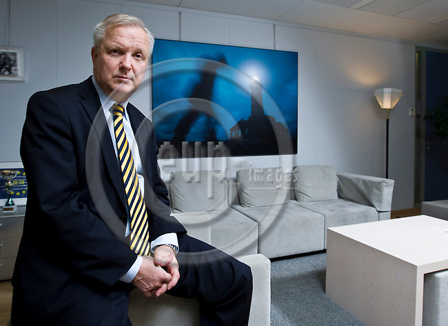 BRUSSELS - BELGIUM - 17 December 2013 -- Vice President Olli REHN (Fin.), European Commissioner in charge of Economic and Monetary Affairs during an interview. -- PHOTO: Juha ROININEN / EUP-IMAGES