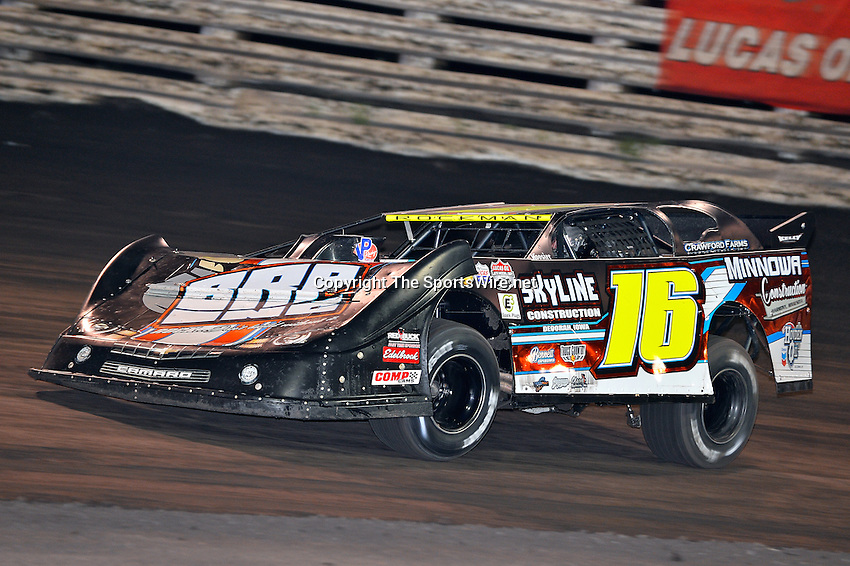 Sep 26, 2013; 7:23:43 PM; Knoxville, IA., USA; 10th Annual Lucas Oil Late Model Knoxville Nationals presented by Caseys General Stores at the Knoxville Raceway.  Mandatory Credit: (thesportswire.net)