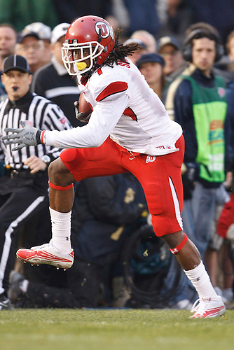 Utah wide receiver Shaky Smithson (#1) runs for yardage after catch during NCAA football game between Utah and Notre Dame.  The Notre Dame Fighting Irish defeated the Utah Utes 28-3 in game at Notre Dame Stadium in South Bend, Indiana.