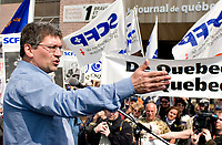 Journal de Quebec newspaper locked out workers spokesperson Denis Bolduc speaks to the crowd during a protest for the one-year mark of the lockout at the Quebecor owned paper in Quebec city April 20, 2007.<br /> <br /> PHOTO :  Francis Vachon - Agence Quebec Presse