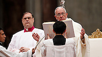 Papa Francesco celebra una messa per i religiosi e le religiose in occasione della Festa della Presentazione del Signore, nella Basilica di San Pietro, Citta' del Vaticano, 2 febbraio 2015.<br /> Pope Francis celebrates a Mass for priests and nuns on the occasion of the feast of the presentation of the Lord, in St. Peter's Basilica at the Vatican, 2 February 2015.<br /> UPDATE IMAGES PRESS/Isabella Bonotto<br /> <br /> STRICTLY ONLY FOR EDITORIAL USE