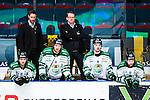 Stockholm 2014-03-21 Ishockey Kvalserien AIK - R&ouml;gle BK :  <br /> R&ouml;gles tr&auml;nare Magnus Bogren i b&aring;set med R&ouml;gles Simon Olsson , R&ouml;gles Christopher Liljewall , R&ouml;gles Jason Gregoire och R&ouml;gles Jakob Johansson <br /> (Foto: Kenta J&ouml;nsson) Nyckelord:  portr&auml;tt portrait tr&auml;nare manager coach