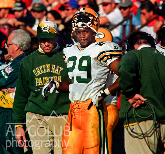 San Francisco 49ers vs. Green Bay Packers at Candlestick Park Saturday, January 6, 1996.  Packers beat 49ers  27-17.  Green Bay Packers running back Marcus Wilson (29).