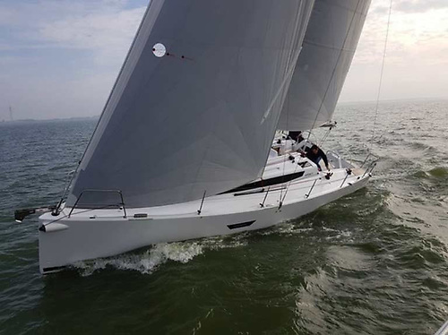 Quantum radial laminated sails with Contender CDX Grey sailcloth