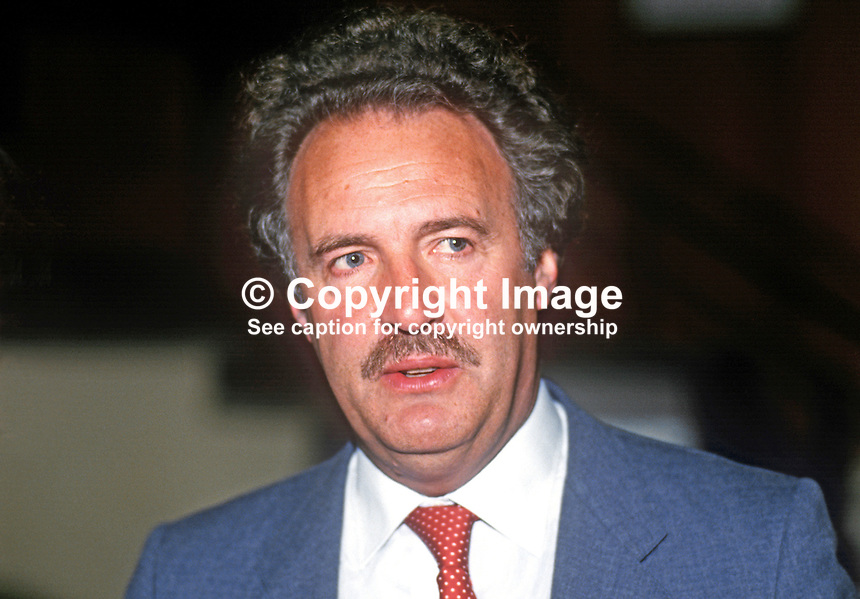 Richard Holme, PPC, prospective parliamentary candidate, Liberal Party, Cheltenham, UK, speaking annual conference September 1986. 19860919RH2<br />