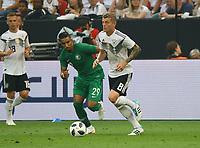 Toni Kroos (Deutschland Germany) gegen Salem Al-Dawsari (Saudi-Arabien) - 08.06.2018: Deutschland vs. Saudi-Arabien, Freundschaftsspiel, BayArena Leverkusen