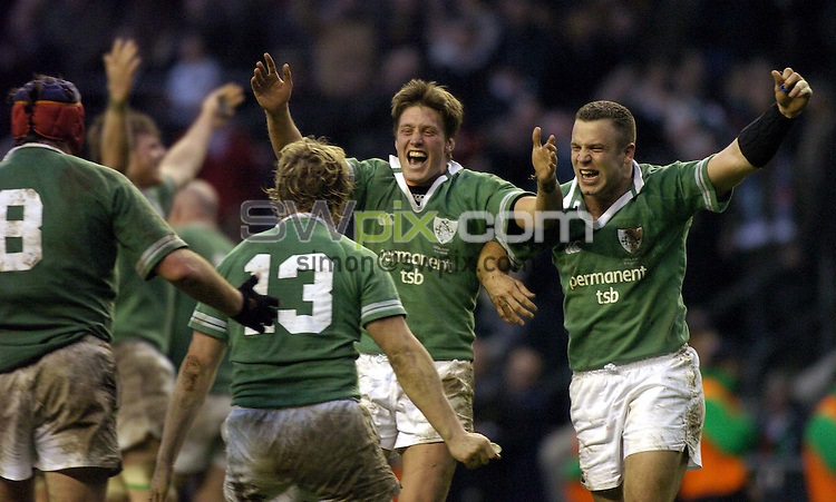 Pix: Ben Duffy/SWpix.com....International Rugby Union six nations Championship - England v Ireland....06/03/2004..Ireland's Ronan O'Gara and Kevin Maggs lead the celebrations as they beat England at Twickenham..?COPYRIGHT PICTURE>>SIMON WILKINSON>>08700920092>>.
