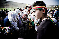 Les femmes d'un village aux alentours de la ville de Midyat signent une pétition pour libérer le leader du PKK A.Öcalan. Le village célèbre la fête nationale kurde Newroz.