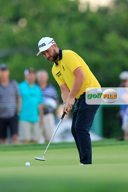Andy Sullivan (ENG) putts on the 9th green during Friday's Round 2 of the 2016 U.S. Open Championship held at Oakmont Country Club, Oakmont, Pittsburgh, Pennsylvania, United States of America. 17th June 2016.<br /> Picture: Eoin Clarke | Golffile<br /> <br /> <br /> All photos usage must carry mandatory copyright credit (&copy; Golffile | Eoin Clarke)