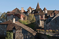 Europe/Europe/France/Midi-Pyrénées/46/Lot/Carennac: Toits du village et de l'Eglise Saint-Pierre - Plus Beaux Villages de France