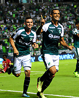 PALMIRA - COLOMBIA - 03 - 03 - 2018: Jose Sand (Der.) jugador de Deportivo Cali celebra el gol anotado a Rionegro Aguilas Doradas, durante partido entre Deportivo Cali y Rionegro Aguilas Doradas de la fecha 6 por la liga Aguila I 2018, jugado en el estadio Deportivo Cali (Palmaseca) en la ciudad de Palmira. / Jose Sand (R) player of Deportivo Cali celebrates a scored goal to Rionegro Aguilas Doradas, during a match between Deportivo Cali and Rionegro Aguilas Doradas of the 6th date for the Liga Aguila I 2018, at the Deportivo Cali (Palmaseca) stadium in Palmira city. Photo: VizzorImage  / Nelson Rios / Cont.
