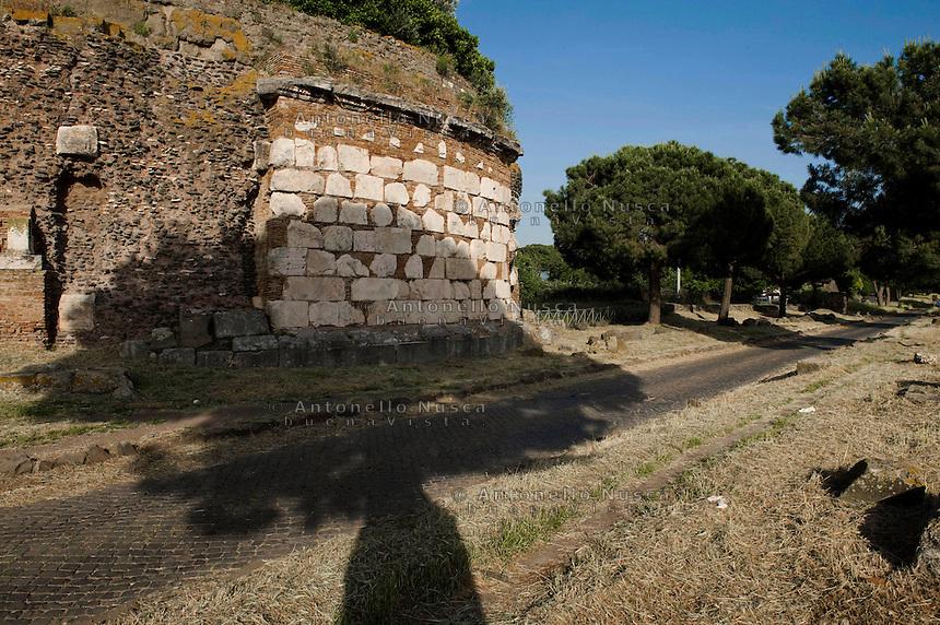 The Ancient Appia.<br /> Un tratto della Via Appia Antica