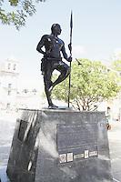SALVADOR, BA, 23.03.2013 - PELOURINHO-BA - Imagem de arquivo da Estátua de Zumbi dos Palmares. O monumento encontra-se na Praça da Sé, Centro Histórico de Salvador - BA. (Foto: Joá Souza / Brazil Photo Press).