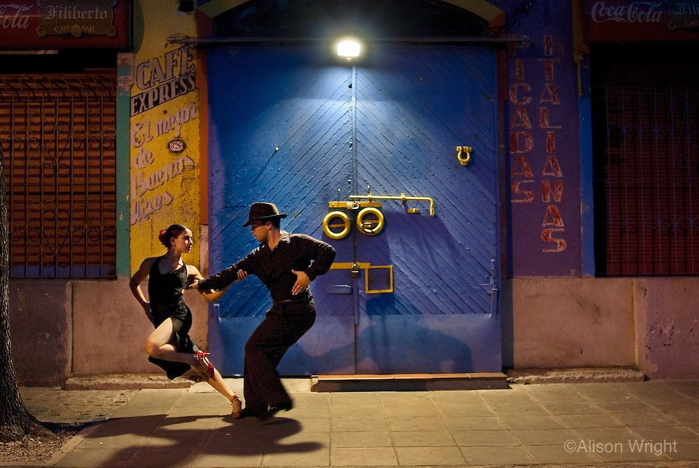 Cristian and Jessica, couple dancing tango in La Boca.