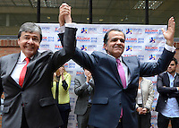 BOGOTA -COLOMBIA. 06-03-2014. El candidato presidencial por el Centro Democratico Oscar Ivan Zuluaga  inscribio su candidatura para la presidencia de la Republica de Colombia para el periodo  2014-2018 ante el registrador nacional Carlos Ariel Sanchez  y su compañero de equipo Carlos Holmes Trujillo  / The presidential candidate of the Centro Democratico  Oscar Ivan Zuluaga registered his candidacy for the presidency of the Republic of Colombia for the period 2014-2018 to the National Registrar Carlos Ariel Sanchez and teammate Carlos Holmes Trujillo.  Photo: VizzorImage/ Felipe Caicedo