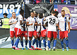 01.09.2019,  GER; 2. FBL, Hamburger SV vs Hannover 96 ,DFL REGULATIONS PROHIBIT ANY USE OF PHOTOGRAPHS AS IMAGE SEQUENCES AND/OR QUASI-VIDEO, im Bild David Kinsombi (Hamburg #06) schiesst das 2-0 fuer Hamburg und jubelt mit der Mannschaft Foto © nordphoto / Witke *** Local Caption ***