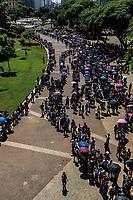 Sao Paulo, 26.03.2019 - FILA EMPREGO - Mutirao de emprego, realizado pela Secretaria de Desenvolvimento Econômico e Trabalho da Prefeitura de São Paulo e pelo Sindicato dos Comerciários, gerou uma fila gigante de candidatos no Vale do Anhangabau, centro de Sao Paulo, na manha desta terça-feira (26); cerca de 15 mil pessoas disputam seis mil vagas, entre telemarketing, vendedor, atendente e operador de caixa.  (Foto: Carla Carniel/Código19)