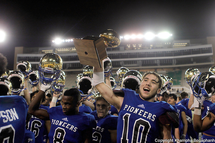 Boswell beats Denison 56-29 in high school bi-district playoff football at Apogee  Stadium in Denton on Friday, November 11, 2016.