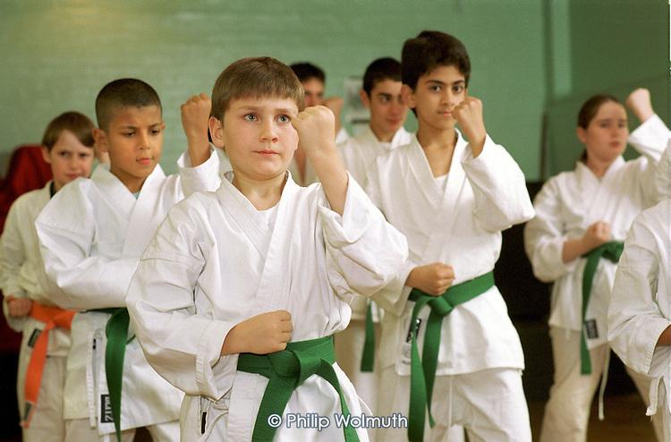 Kyu-yo-bu-shin Karate class in the Warwick Community Centre, Harrow Road, West London, supported by the Paddinton Development Trust; 12/11/01.