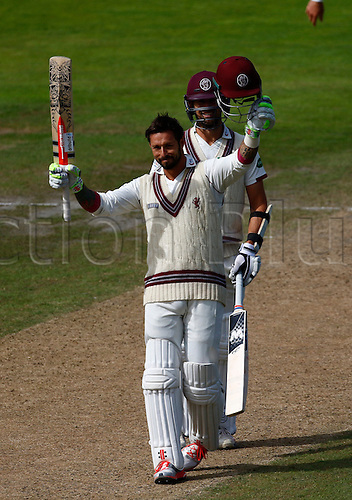 01.09.2016. Old Trafford, Manchester, England. Specsavers County Championship. Lancashire versus Somerset.  Somerset's Peter Trego reaches his 150 as Somerset declare their first innings at 553-8, with Trego on 154 not out.