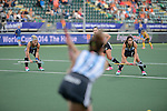 The Hague, Netherlands, June 01: Players of Argentina keep their eyes on the ball at a short corner during the field hockey group match (Women - Group B) between Argentina and South Africa on June 1, 2014 during the World Cup 2014 at Kyocera Stadium in The Hague, Netherlands. Final score 4:1 (2:0) (Photo by Dirk Markgraf / www.265-images.com) *** Local caption ***