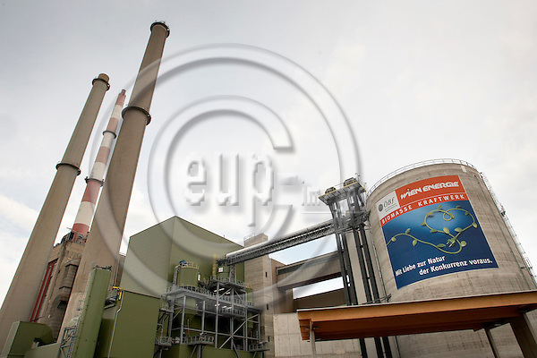 """VIENNA - AUSTRIA  16. AUGUST 2006 -- Biomass energy - One of Europes largest wood heated combined power and heat plants-- PHOTO: CHRISTIAN T. JOERGENSEN / EUP & IMAGES..This image is delivered according to terms set out in """"Terms - Prices & Terms"""". (Please see www.eup-images.com for more details)"""