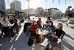 20080110 - France - Aquitaine - Pau<br /> CAFES ET PLACE CLEMENCEAU AU CENTRE VILLE PIETONNIER DE PAU.<br /> Ref : PAU_007.jpg - © Philippe Noisette.