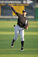 Trayce Thompson Center Fielder Bristol White Sox (Chicago White Sox) warms up in the outfield at Joe O'Brien Stadium August 31, 2009 in Elizabethton, TN (Photo by Tony Farlow/Four Seam Images)
