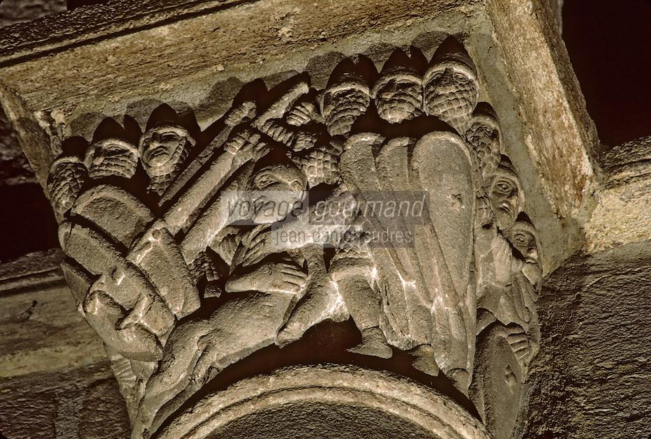 Europe/France/Auvergne/43/Haute-Loire/Brioude: La basilique Saint Julien (Architecture romane) - Détail chapelle - Nef représentant une bataille rangée