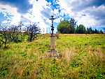 Blechnarka, 30-09-2019 założona w XVI wieku wieś w Polsce położona w województwie małopolskim, w powiecie gorlickim, w gminie Uście Gorlickie. Leży na Ropą dopływem Wisłoki. To mała wieś koło Wysowej w Beskidzie Niskim. Liczy obecnie około 50 mieszkańców, a większość to Łemkowie. Przed wojną była to duża wieś, licząca prawie 100 zagród. Nazwa wsi pochodzi od słowa blechnar, oznaczającego prawdopodobnie rzemieślnika bielącego surowe płótno. Krzyż przy drodze w Blechnarce.