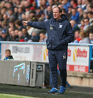Preston North End manager Simon Grayson shouts instructions to his team from the technical area<br /> <br /> Photographer Alex Dodd/CameraSport<br /> <br /> The EFL Sky Bet Championship - Huddersfield Town v Preston North End - Friday 14th April 2016 - The John Smith's Stadium - Huddersfield<br /> <br /> World Copyright &copy; 2017 CameraSport. All rights reserved. 43 Linden Ave. Countesthorpe. Leicester. England. LE8 5PG - Tel: +44 (0) 116 277 4147 - admin@camerasport.com - www.camerasport.com