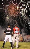 Primer juego de la temporada de beisbol  2010-2011 en en estadio Hector Espino