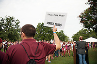 Service DAWGS Day: Student volunteers convene on campus before heading out to their volunteer sites.<br />  (photo by Megan Bean / &copy; Mississippi State University)